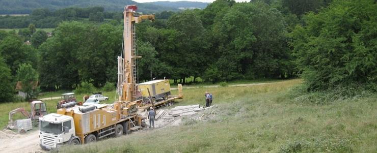 Forage pour une nouvelle ressource en eau sur la commune de Valonne (forage réalisé par Hydroforage).